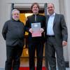 Günther Störzinger, stellvertretender Aufsichtsratsvorsitzender der Sächsischen Staatsbäder GmbH und GMD Florian Merz mit unserem Ehrenkünstler Jan Vogler