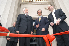 Saxony's Minister of Finance, Dr. Horst Metz, Senior Orchestra Conductor Florian Merz and sponsor Prince Alexander of Saxony at the reopening on May 22, 2004.